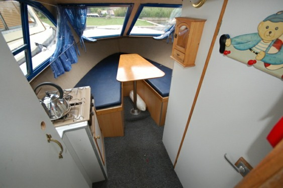 Norfolk Boat Hire Picnic Interior
