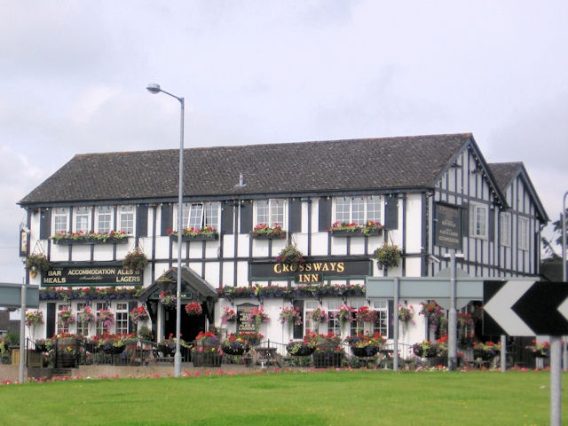 Crossways-inn-pub-1.jpg