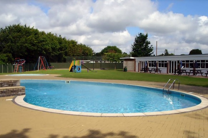 Stalham Chalets Swimming Pool
