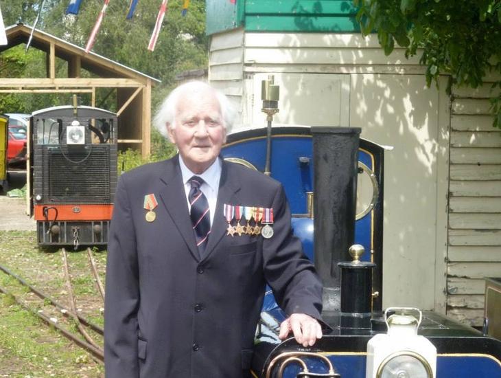 Lt.Cmdr Roy Francis