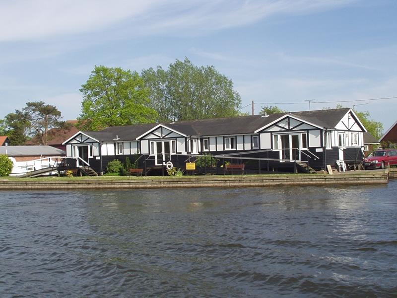 King Line Cottages River