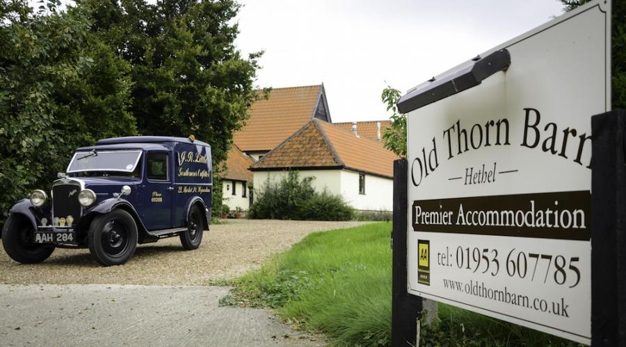 Old-Thorn-Barn-Entrance-900x500