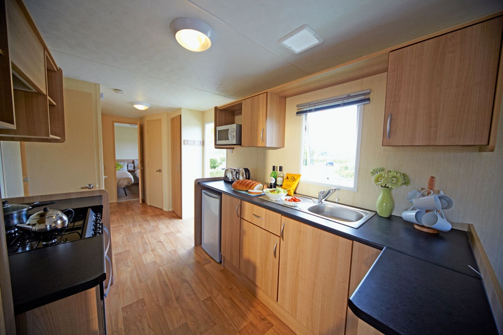 Haven Deluxe Kitchen in Wild Duck Resort in Norfolk