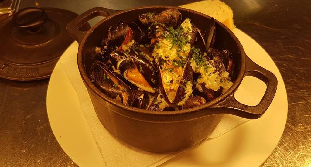 Lifeboat Inn Mussels.jpg