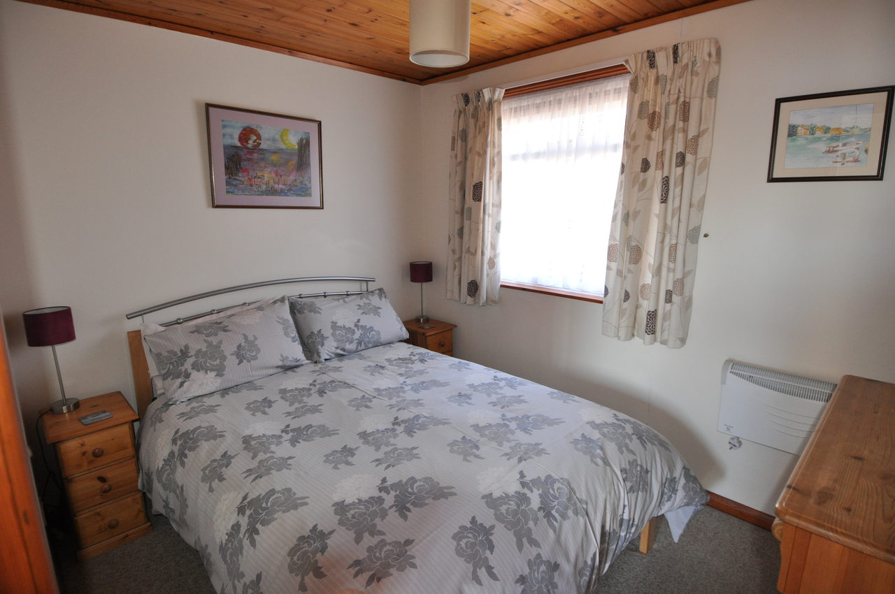 Double Bedroom In Moonshine Lodge