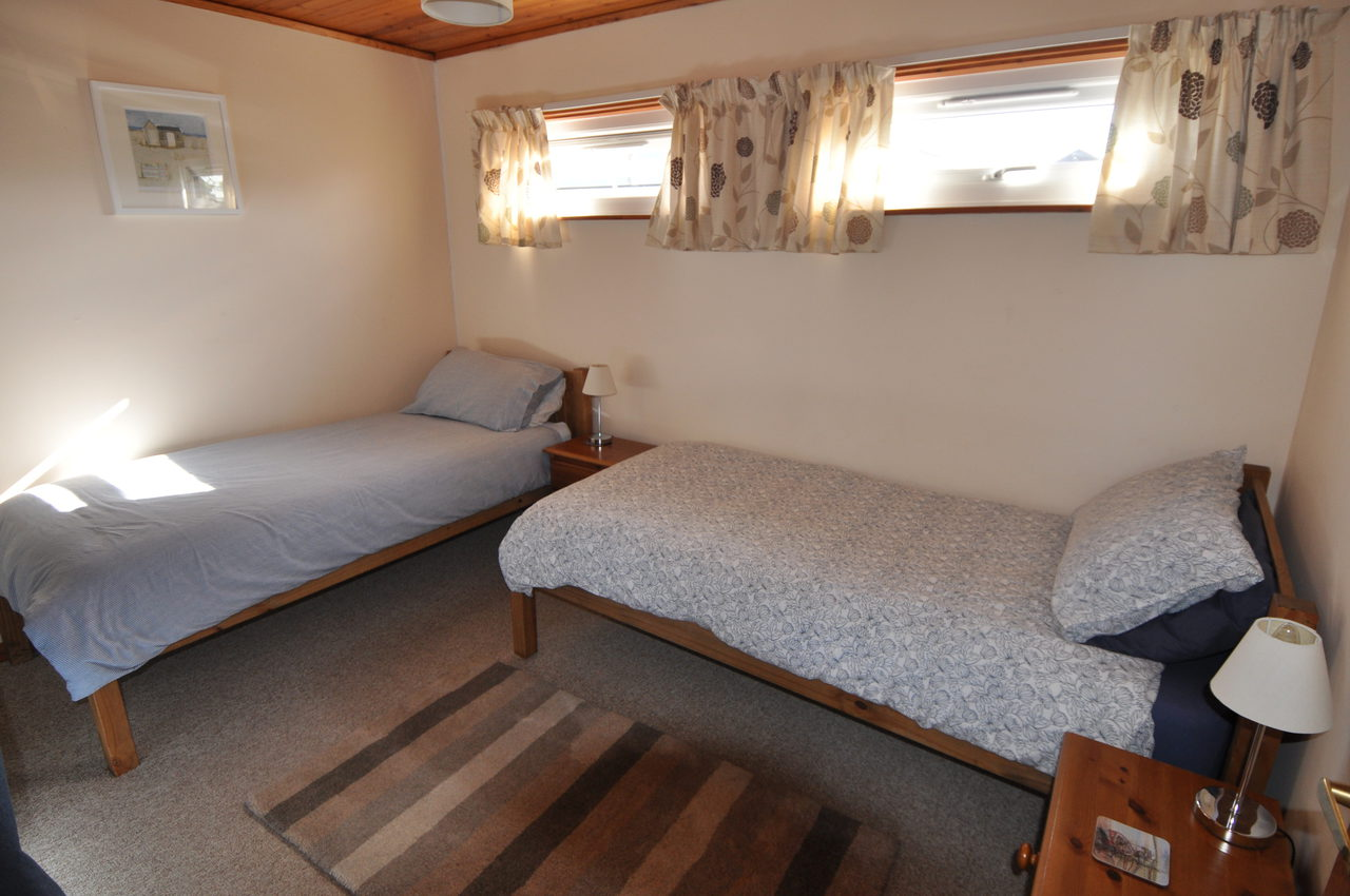 Twin Room At Moonshine Lodge