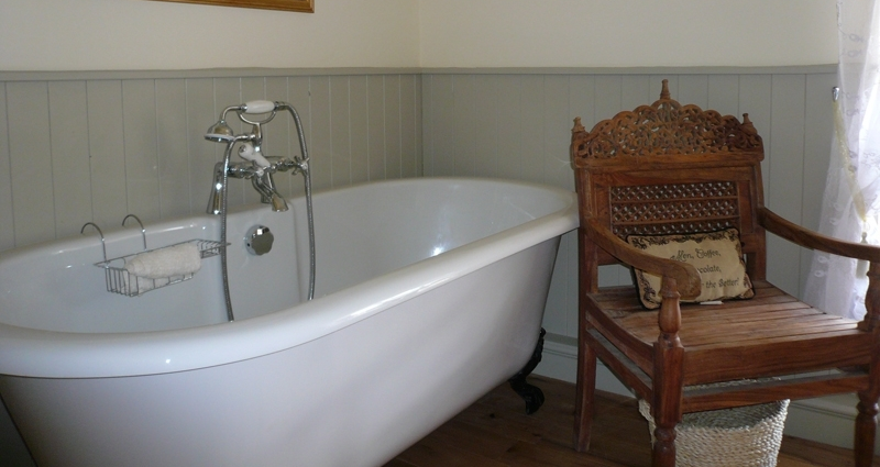 Roll Top Bath in Sutton Cottage