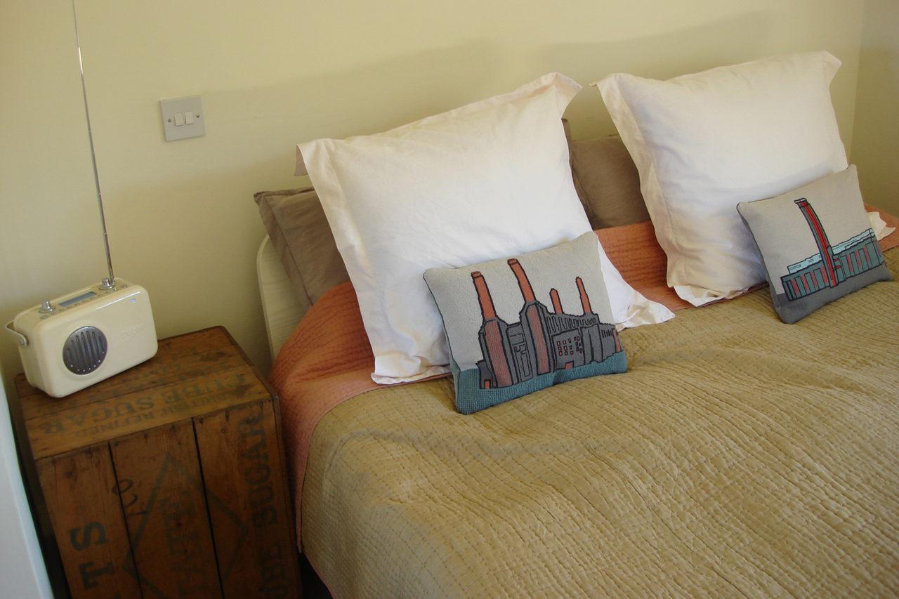 TinSmith's House Blofield Room