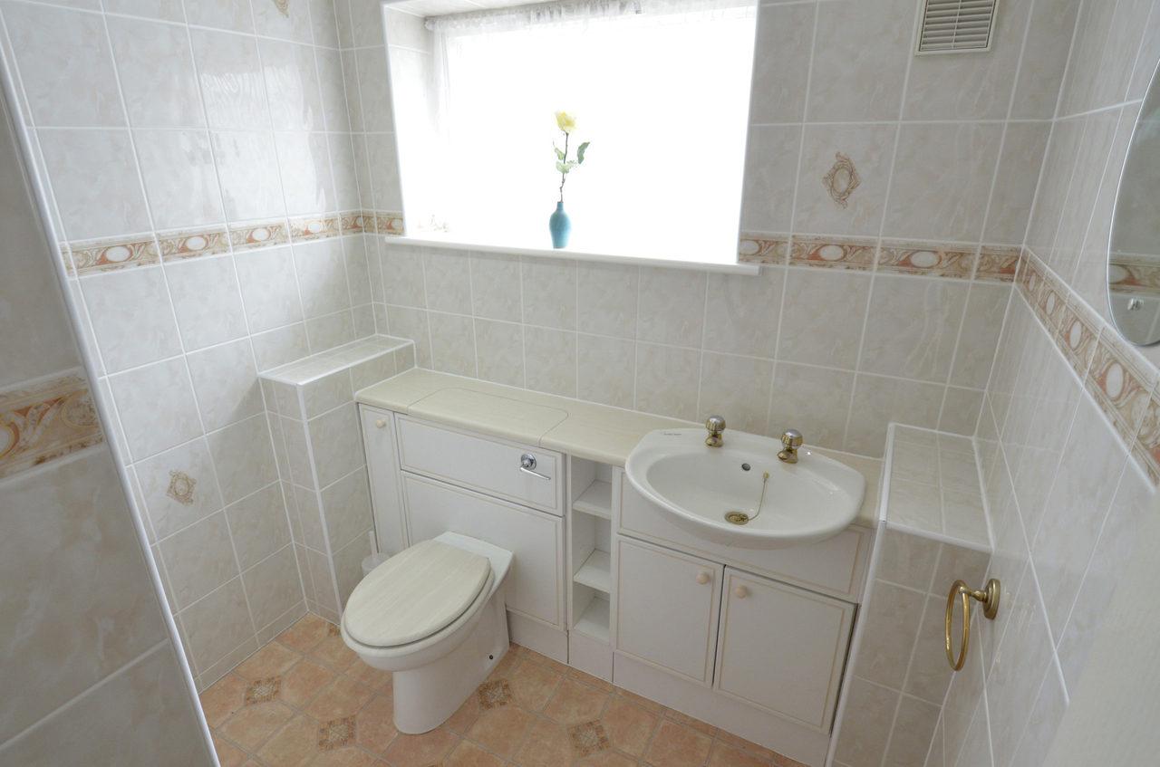 Waterside Bathroom A