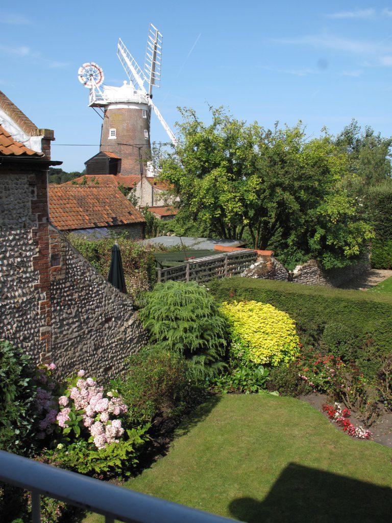 Zetland Cottage Garden